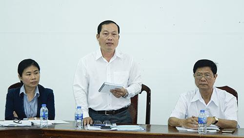 BS.CKII Nguyễn Quang Thông, Giám đốc Trung tâm Kiểm soát bệnh tật, Phó Trưởng đoàn giám sát, phát biểu tại buổi làm việc với Trung tâm y tế quận Cái Răng.